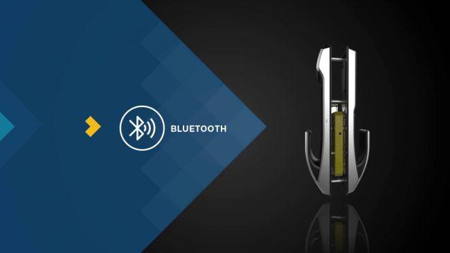 Smart Lock-Khóa-cửa-thông-minh-được-mở-bằng-smartphone-1
