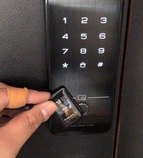 khóa thẻ từ, khóa từ cửa ra vào kaadas r7